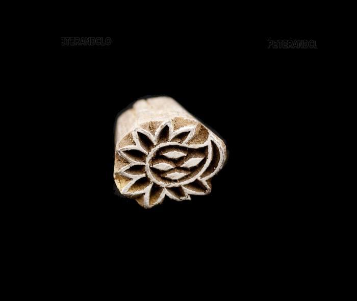 Tampon encreur bois fleur artisanat indien Peterandclo 7010 GG