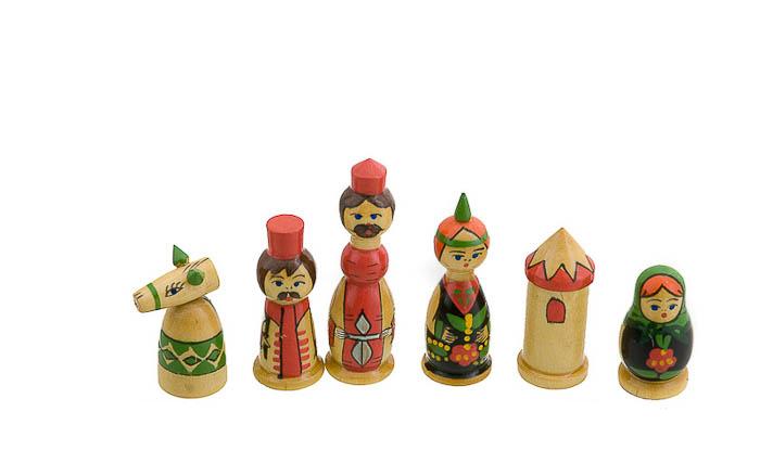 Echiquier jeu d 39 echecs bois babushka russie 40x40cm peterandclo echiquier artisanal jeu d - Echiquier en bois fait main ...