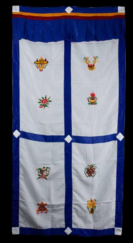 tenture de porte tibetaine blanche broderie symboles auspicieux 179x95cm 383 c4. Black Bedroom Furniture Sets. Home Design Ideas