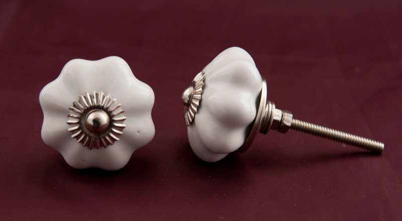 Bouton et poign e de meuble ou tiroir forme fleur cher - Poignee de porte de placard ...